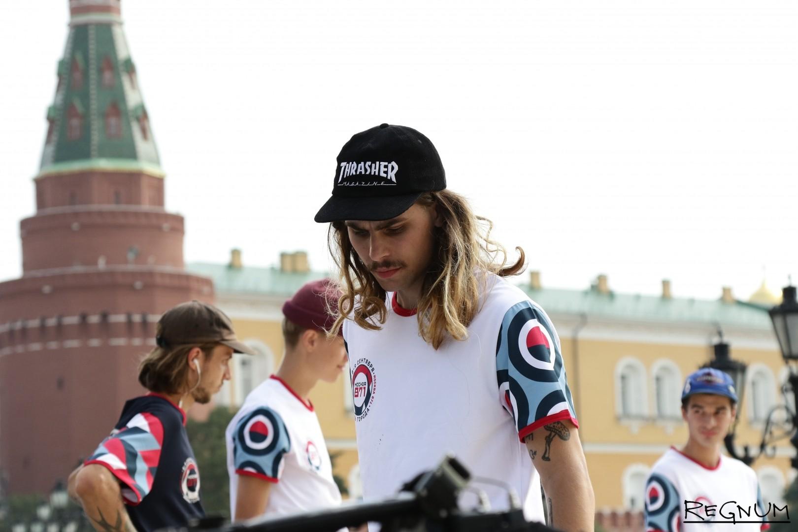 Скейт-шоу на Моховой улице