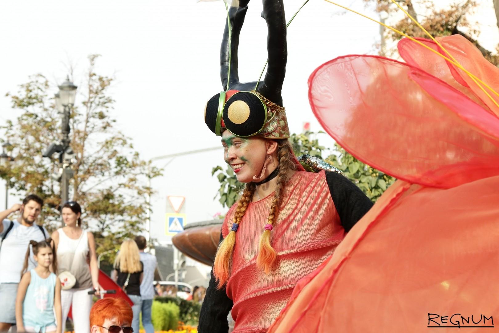 Гигантские насекомые на Дне города