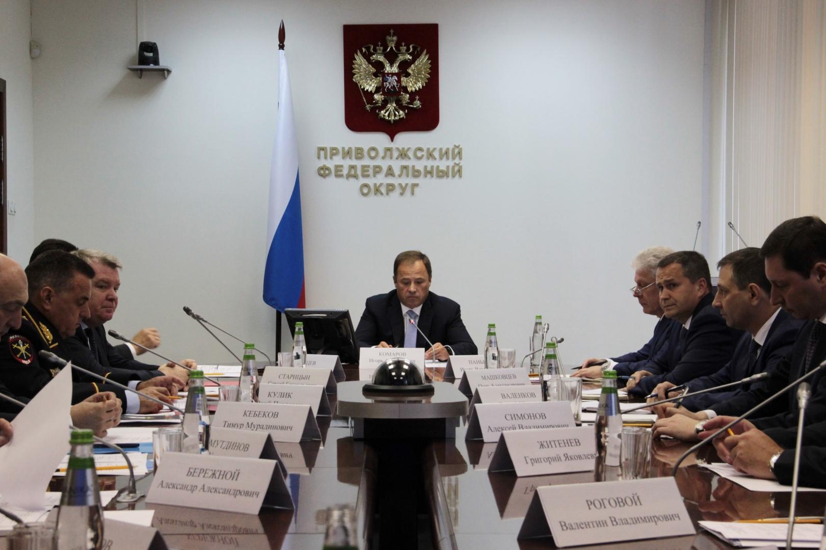 Игорь Комаров проводит первые встречи