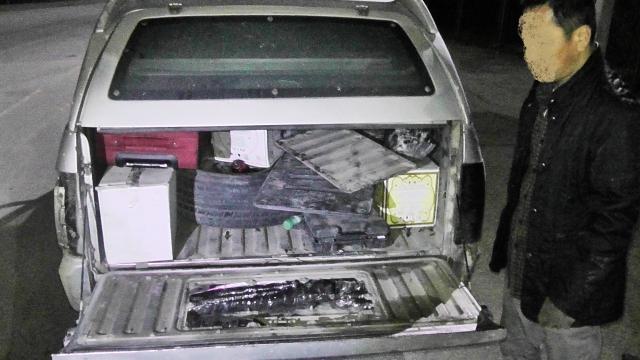 Места в автомобиле, где были спрятаны головы пеликанов