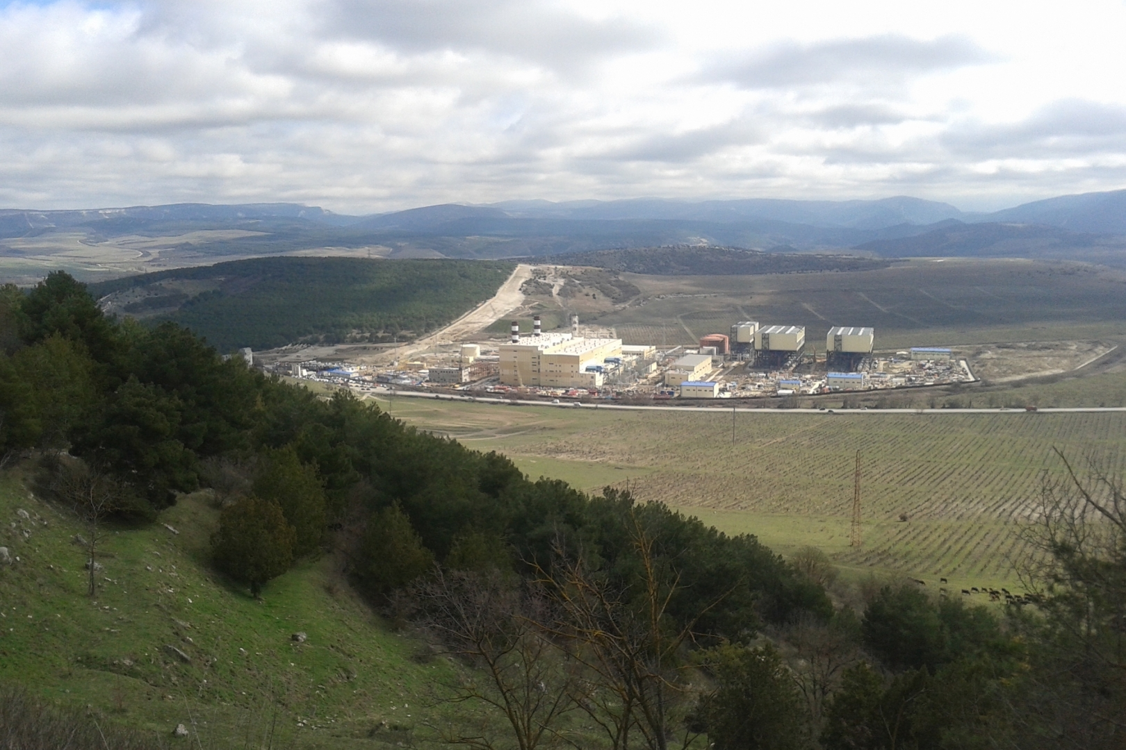 Вид на Балаклавскую ТЭС