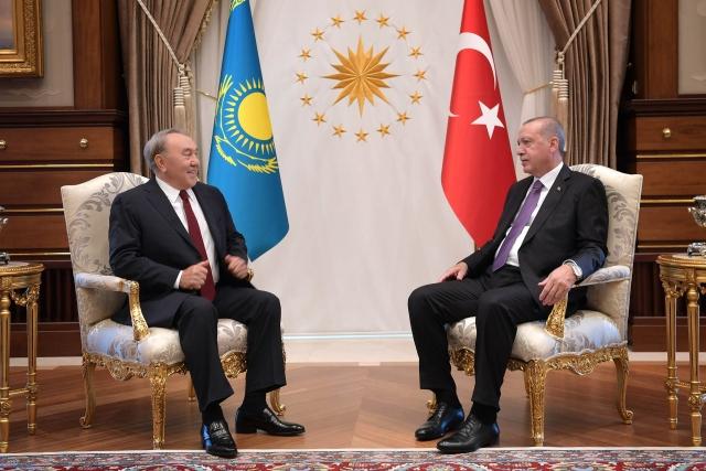 Назарбаев и Эрдоган обсудили вопросы двустороннего сотрудничества