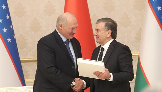 Главы Узбекистана и Белоруссии подписали 19 документов
