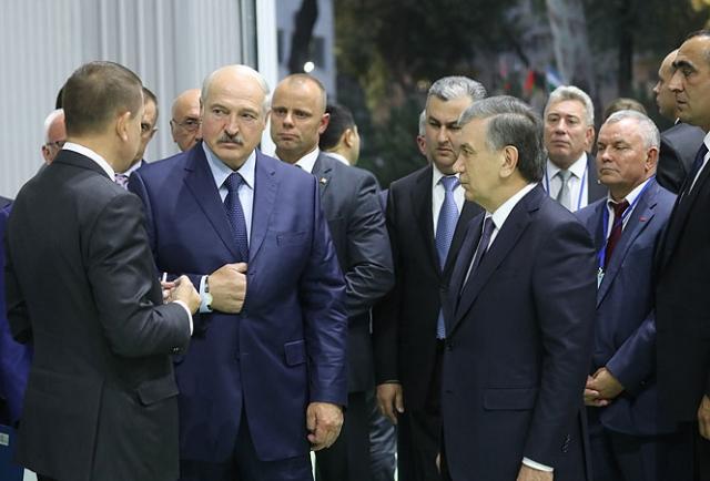 Узбекистан и Белоруссия открыли завод по производству экскаваторов
