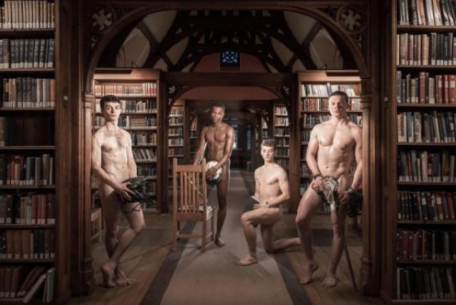 Студенты из Кембриджа разделись для календаря