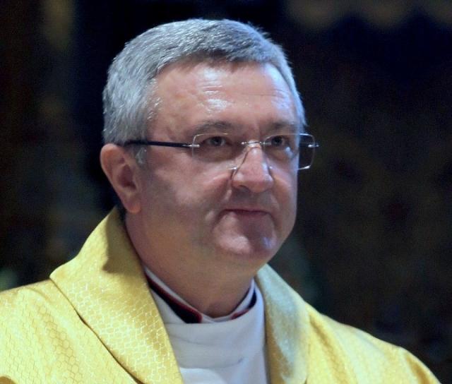 Глава католиков Венгрии поддержал правительство в споре о мигрантах