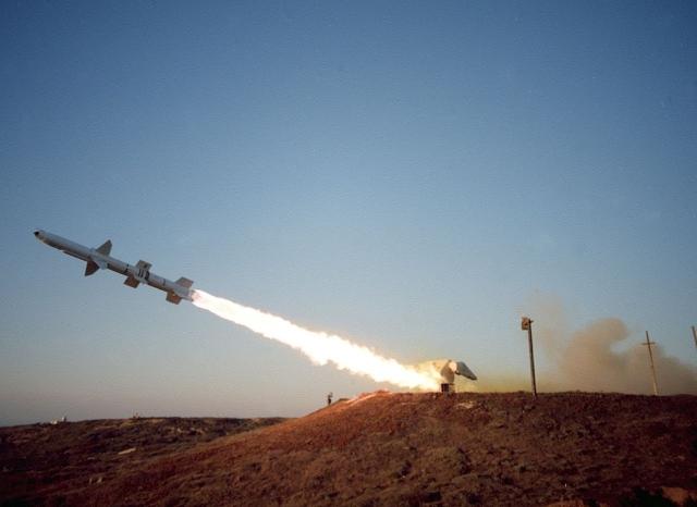 Хуситы атаковали НПЗ Saudi Aramco в Джизане