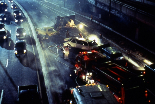 Четыре человека погибли в ДТП с микроавтобусом и грузовиком в Ленобласти
