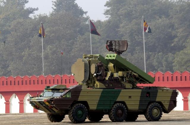 Индия начнет сокращать импорт вооружения. И будет создавать свое оружие