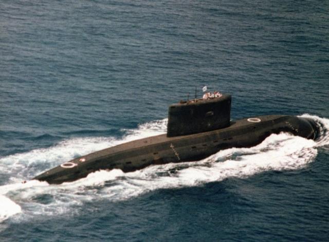 Иран представит подводную лодку собственного производства