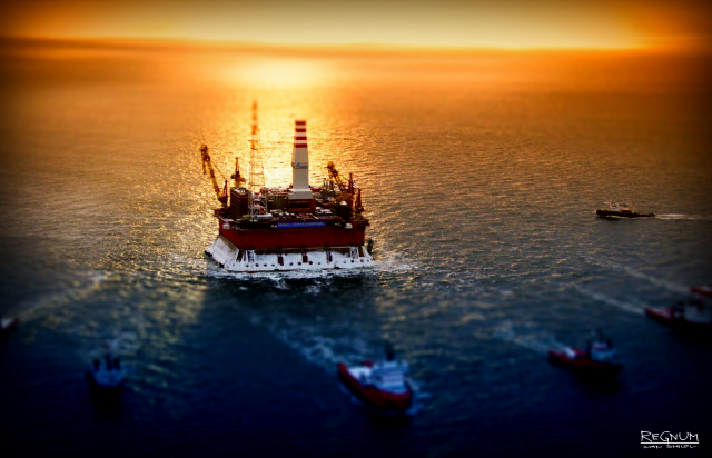 Нефть дешевеет после визита Рика Перри в Москву
