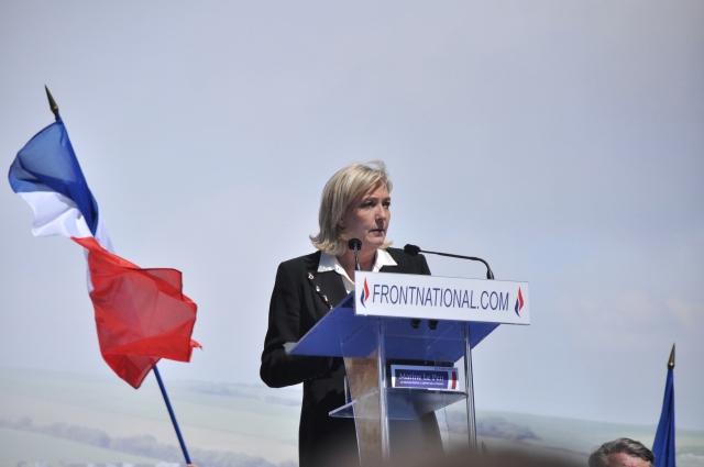Французский суд требует психиатрической экспертизы для Марин Ле Пен