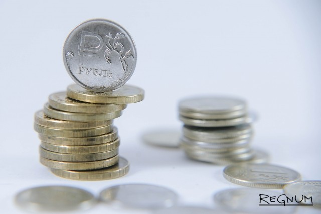 Рубль в рамках коррекции стремится к отметке 65