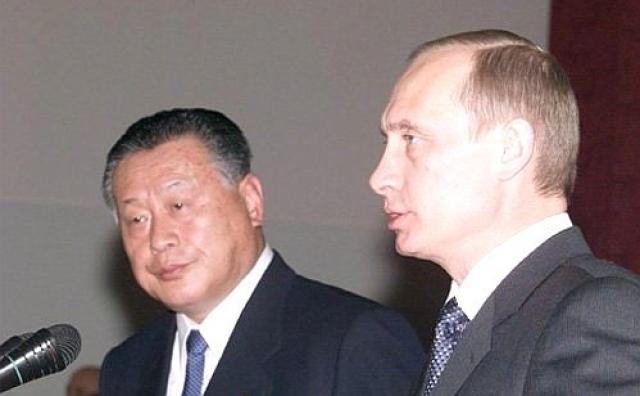 Совместная пресс-конференция Владимира Путина и Ёсиро Мори. 25 марта 2001 года, Иркутск