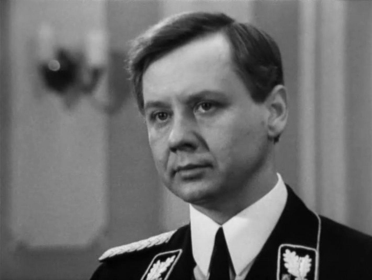 Олег Табаков в роли Вальтера Шелленберга