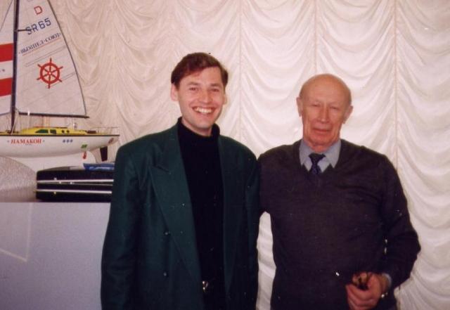 Разведчик Юрий Дроздов со своим коллегой Сергеем Жирновым в 1998 году