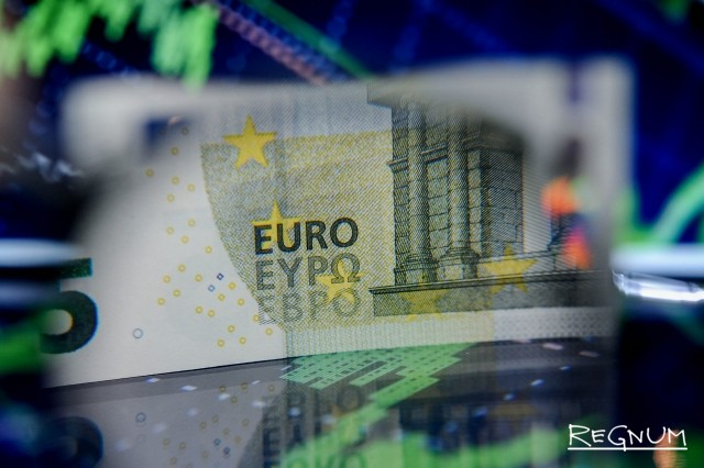 Bloomberg: торговая война с США сыграла на руку европейской валюте