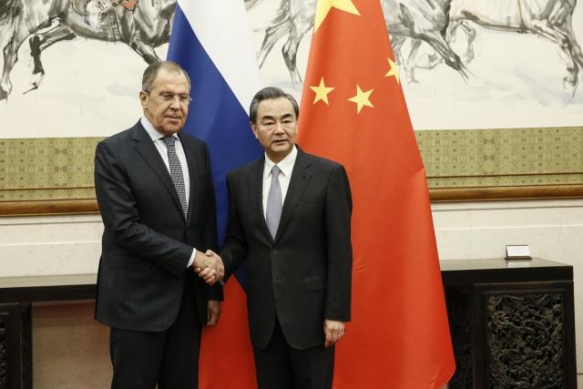 Лавров обсудил с коллегой из Китая ядерную сделку с Ираном