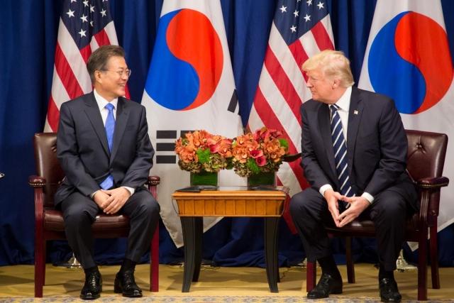 Мун Чжэ Ин и Дональд Трамп