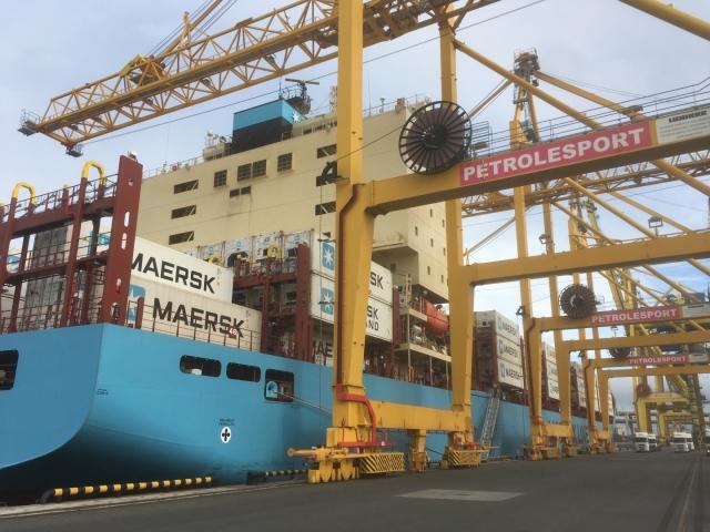 В Петербург прибыл первый контейнеровоз Maersk, прошедший по Севморпути