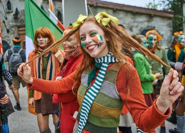 Островок Ирландии в Перми: театр «У Моста» выберет самого рыжего