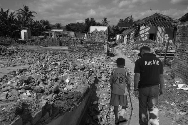 Землетрясение в Индонезии оставило 17 тыс человек без крыши над головой