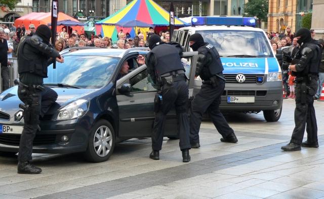 Полиция Германии арестовала участников группировки «Революция Хемниц»