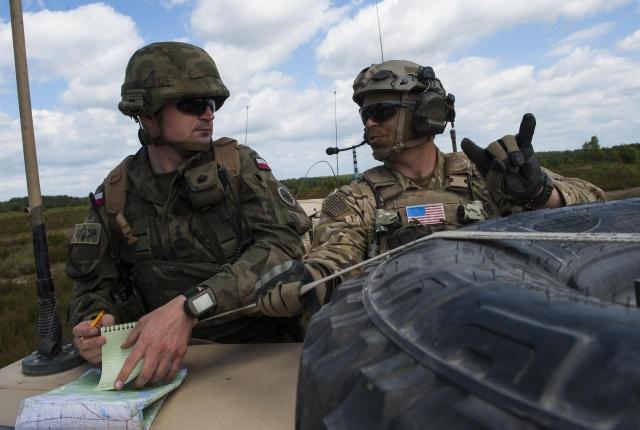 Польский и американский солдаты