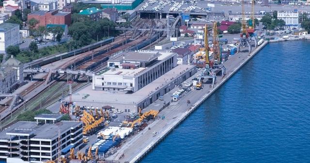 Железнодорожные пути примыкающие к морскому порту