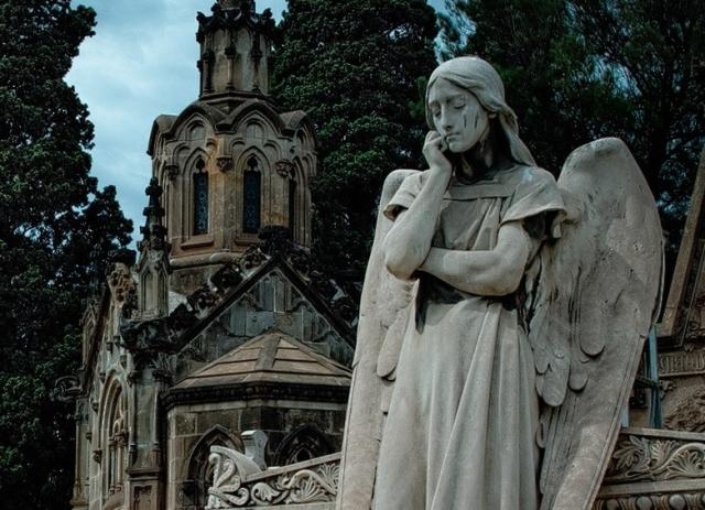 Монсеррат Кабалье похоронят в Барселоне вблизи могил родителей