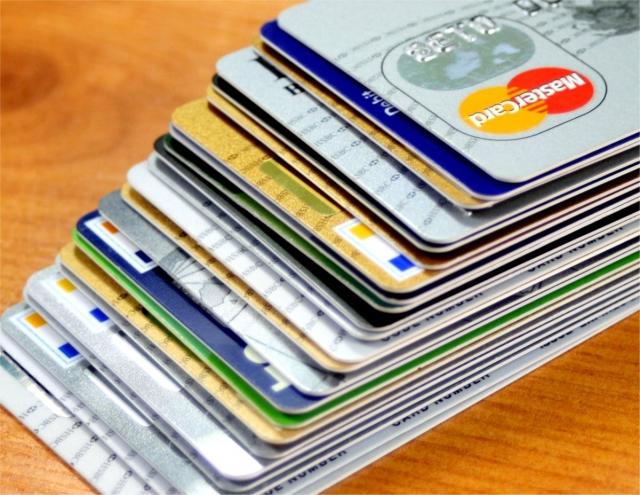 Использование карт иностранных банков подпадет под контроль властей РФ