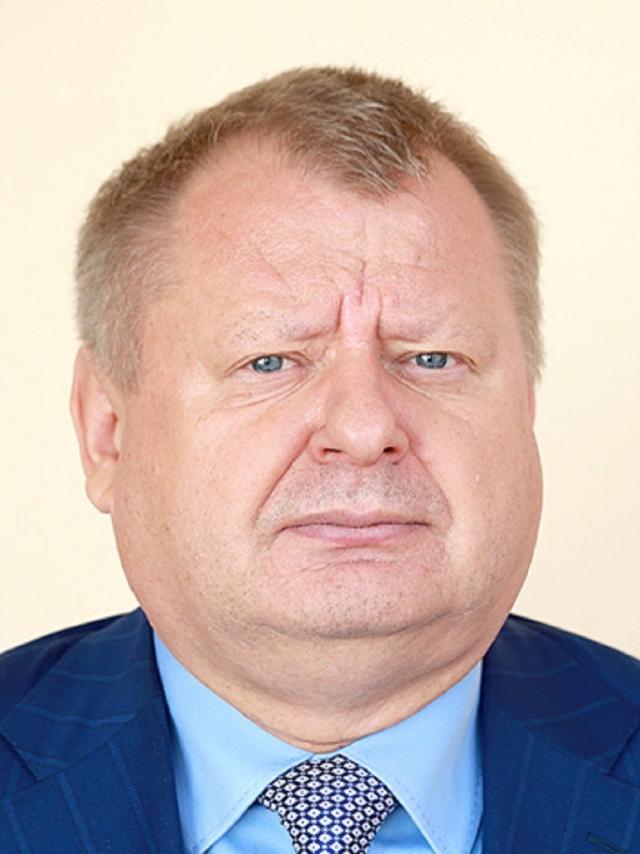 Самый богатый депутат калужского парламента начал выплачивать долги