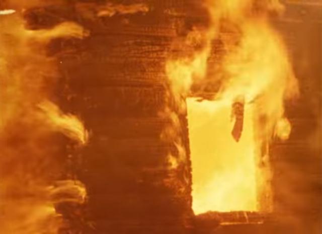 В пригороде Петербурга два часа горела часовня