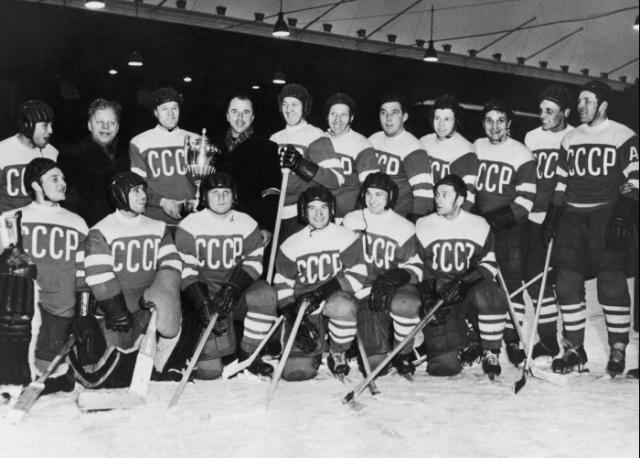 Сборная СССР по хоккею с шайбой. Олимпиада — 1956