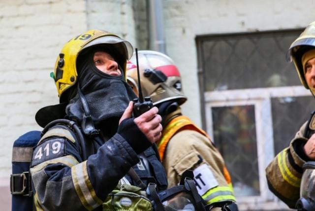 В Петербурге потушили пожар на складе Кировского завода