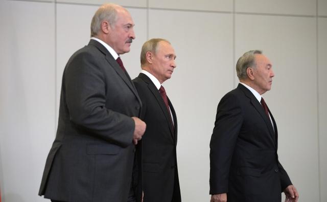 Александр Лукашенко, Владимир Путин и Нурсултан Назарбаев на заседании Высшего Евразийского экономического совета