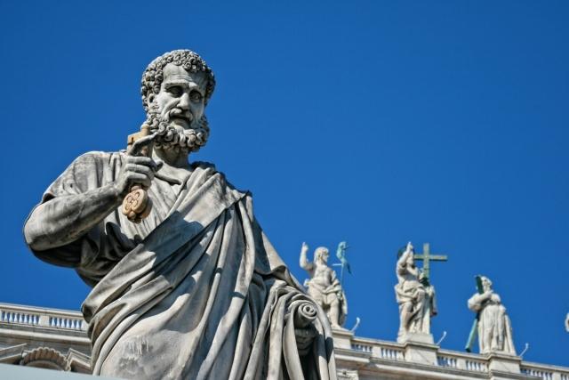 Ватикан не будет контактировать с неканонической церковью на Украине