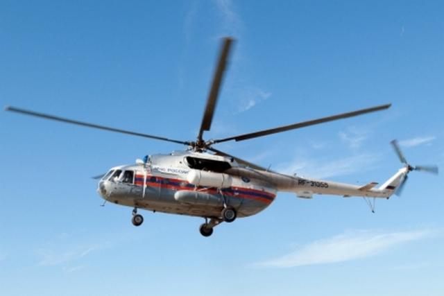 Вертолет и катера МЧС России ищут рыбаков, пропавших на Байкале