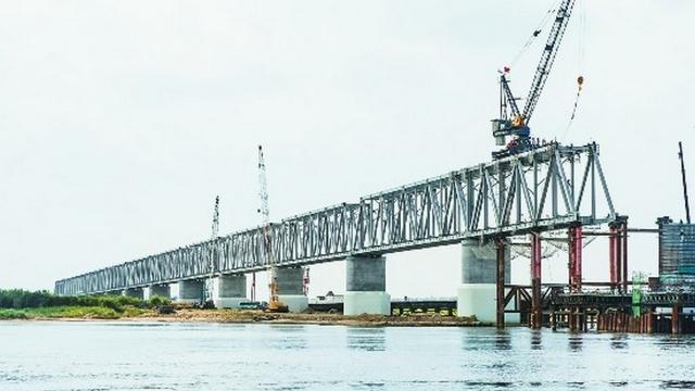 Построена китайская часть железнодорожного моста через Амур