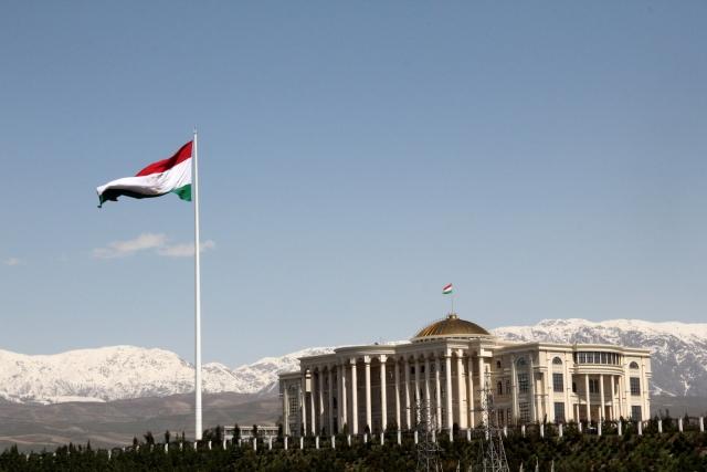 Дворцы Таджикистану – ресурсы Китаю
