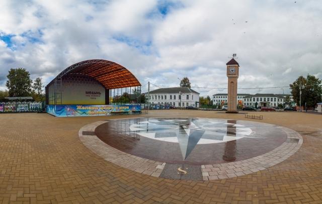 В калужской Медыни отреставрировали центральную площадь «Городские часы»