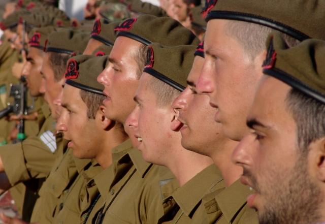 Армия Израиля: Масштабные беспорядки на границе с Газой, тысячи участников