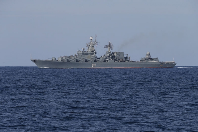 Эскадра Тихоокеанского флота РФ зашла в китайский порт Циндао