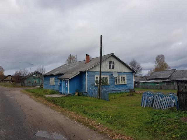 Здание Богдановской коммуны, созданной отцом Розы, Егором Михайловичем. Сейчас здесь почта