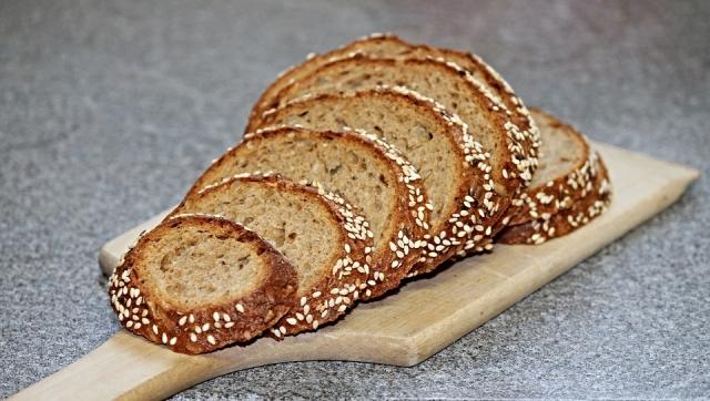 Пекарни предупреждают о скором росте цен на хлеб на 8−12%