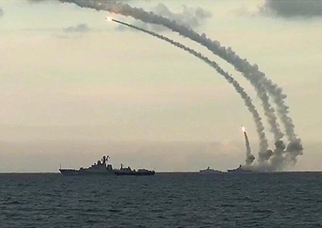 Пуск крылатых ракет «Калибр» из акватории Средиземного моря