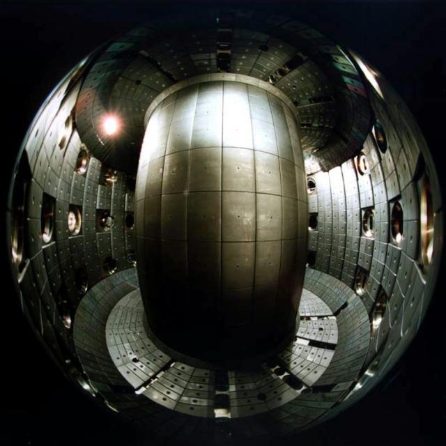 Реакционная камера TCV. Экспериментальный реактор для термодинамического токамака в Швейцарии