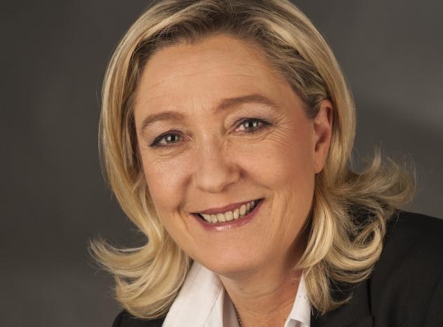 Марин Ле Пен поздравила крайне правого Болсонару с победой на выборах