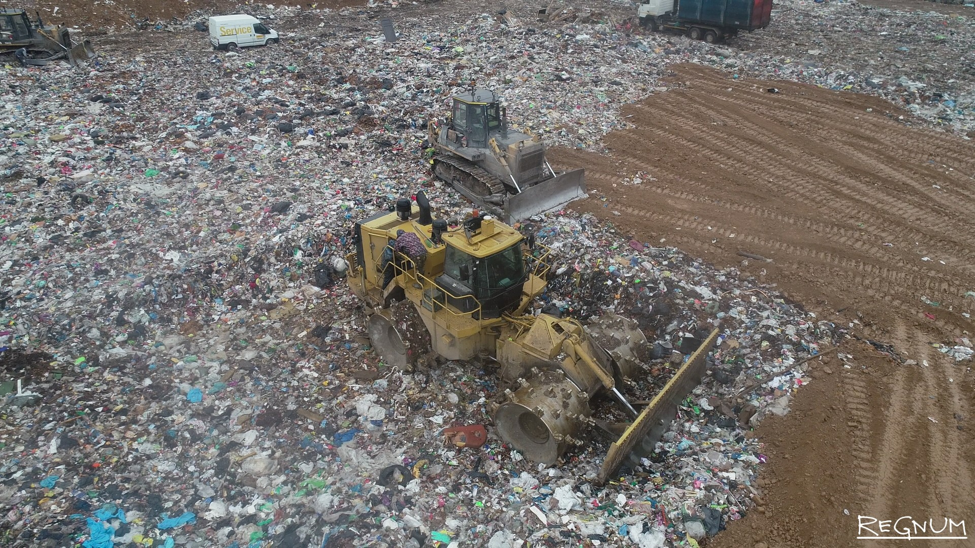 Посмотрите — сколько пластика