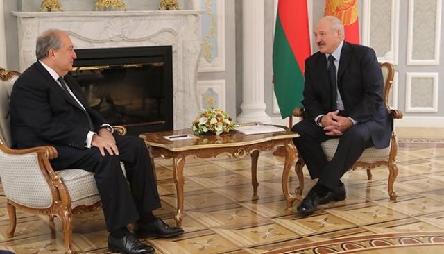 Лукашенко: Мы хотим знать, что происходит в дружественной нам Армении